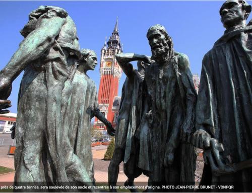 Levage du monument des Bourgeois de Calais