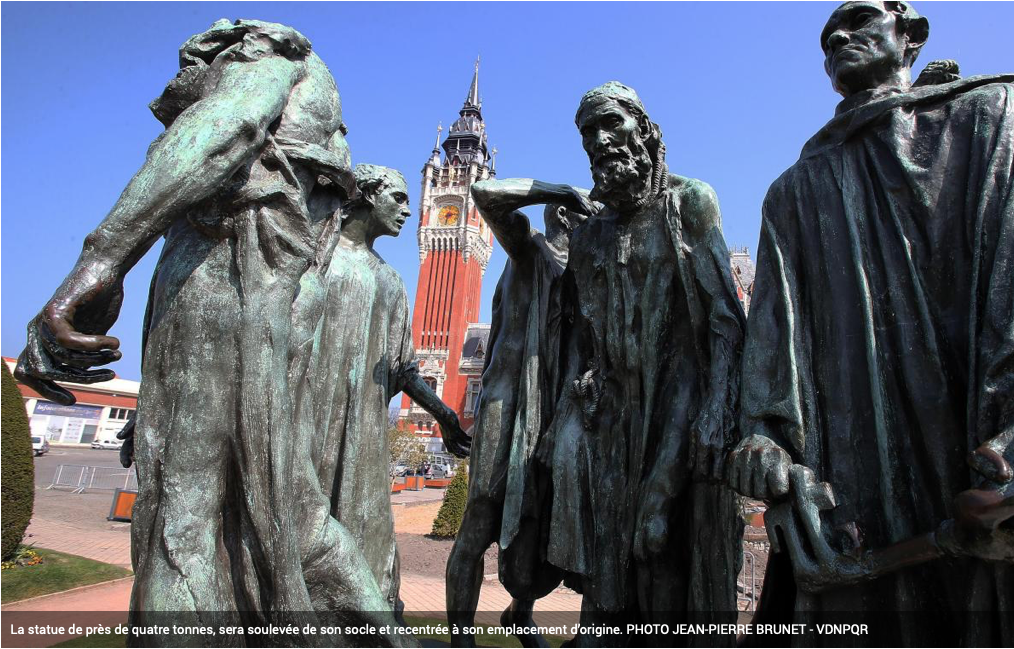 Levage du monument Les Bourgeois de Calais