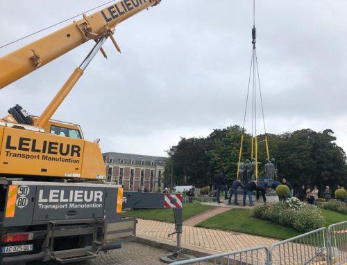 Levage d'une statue de 2 tonnes à Calais