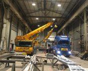 Déchargement d'une machine outil de 36 tonnes dans le Pas-de-Calais