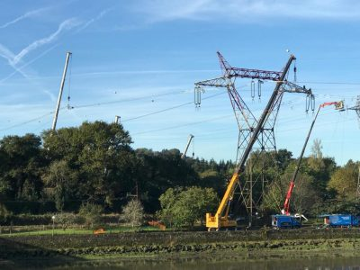 Prestation de dépose et repose d'un pylône à haute-tension à Urt près de Bayonne