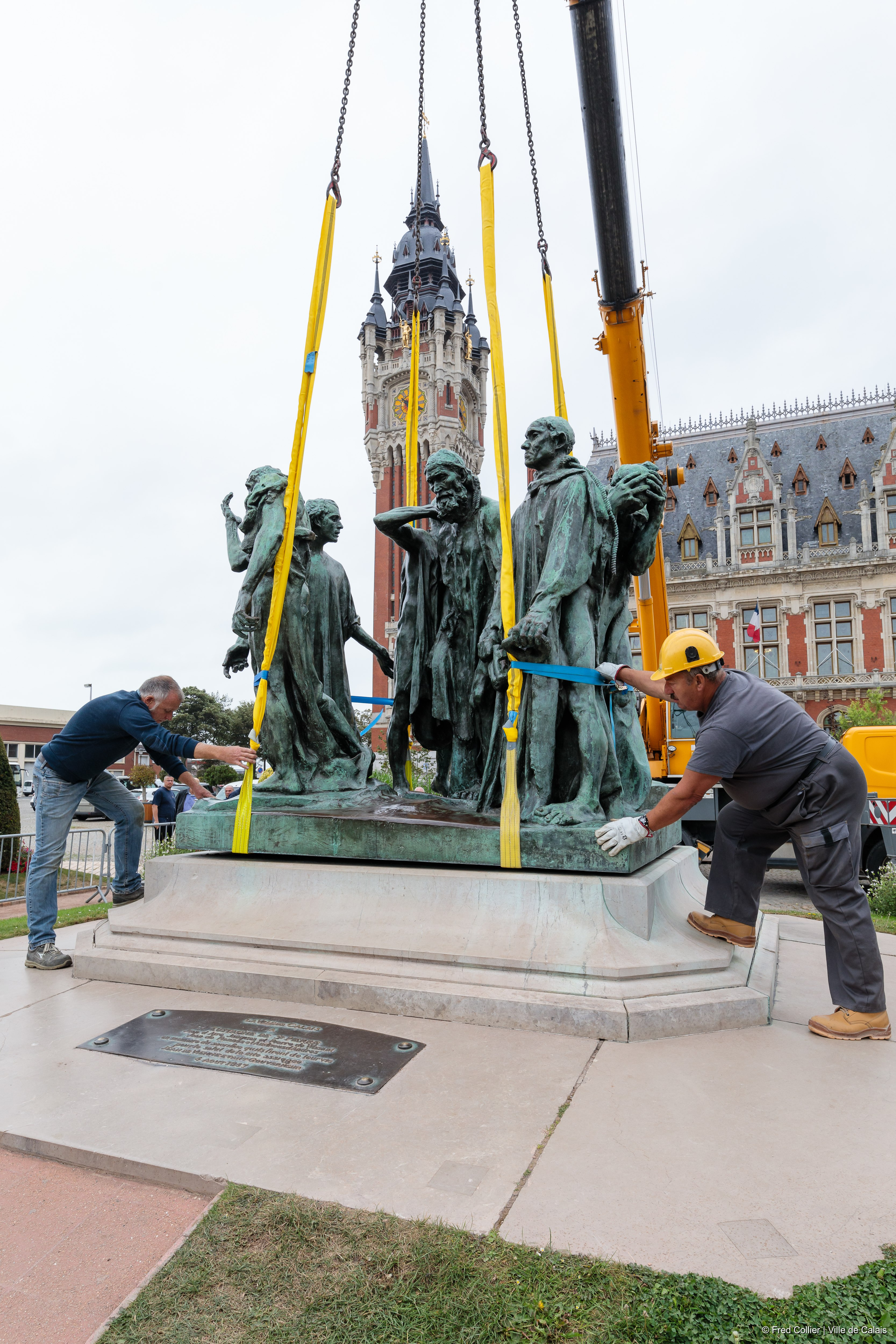 Levage monument Calais