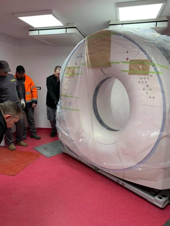 Levage et installation d'un scanner de plus d'une tonne dans une clinique vétérinaire de Boulogne-sur-Mer dans le Pas-de-Calais