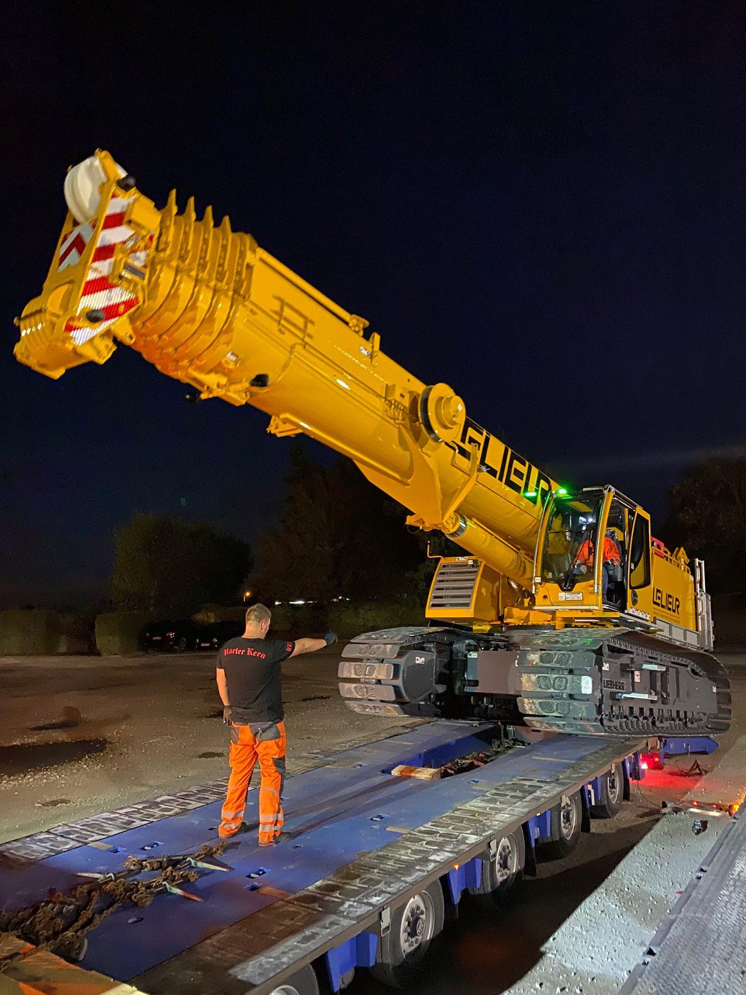 Arrivée de notre nouvelle grue de levage à chenilles LTR 1100 pour vos chantiers accidentés, exigus ou sur surface inclinée dans le Nord et le Pas-de-Calais